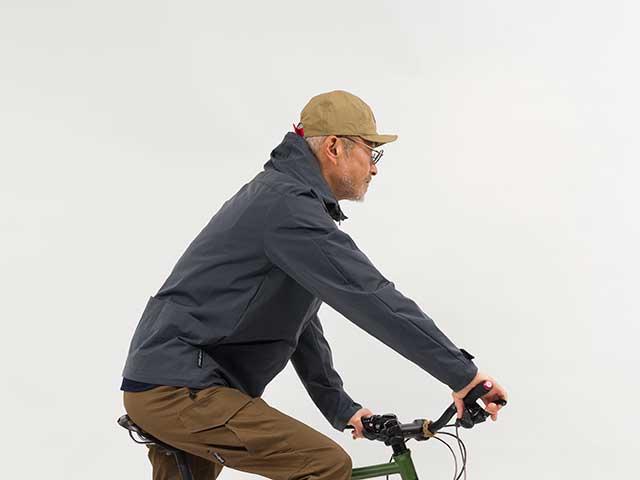 【バイクマンパーカーLight】動きやすい MoveFit(R)ストレッチ 撥水 防風 背ポケット フード付 日本製 No.2187