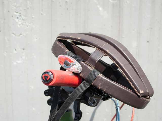 【前後示唆燈】サイクルセーフティライト 白赤交互点滅 カスク ヘルメットなど No.5088